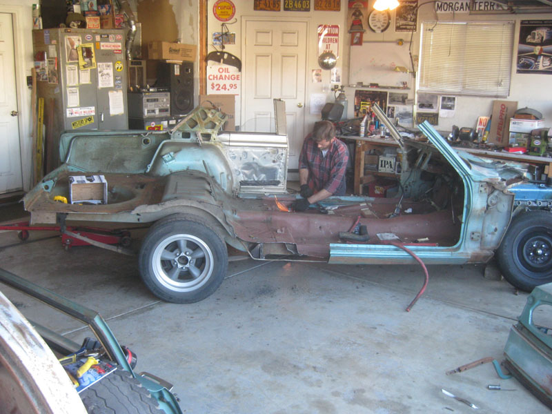 Cutting up a 1967 Plymouth Valiant Coupe